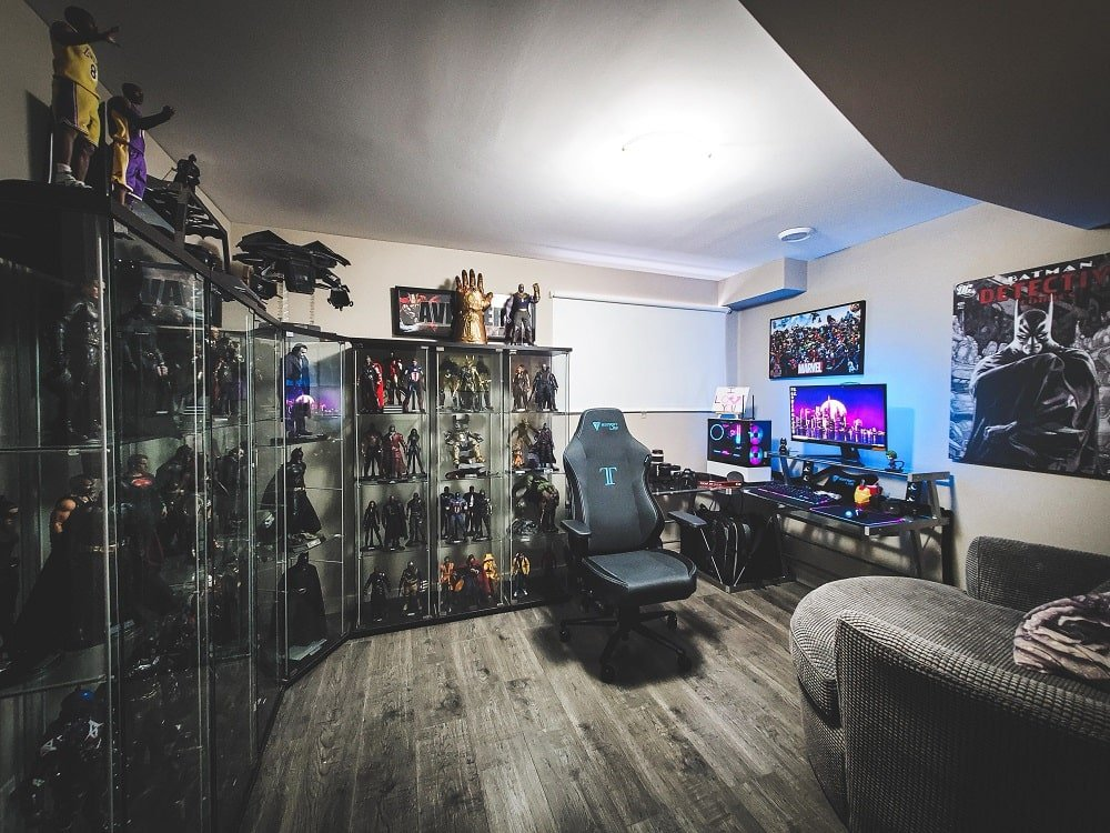 black and white gaming room