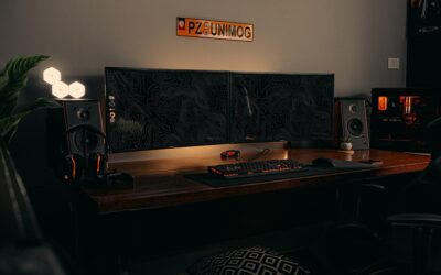 Why do gamers have 3 monitors?