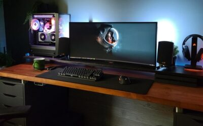 The Best Gaming Desk For 3 Monitors